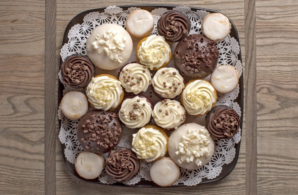 cupcakes catering tray from Zupans