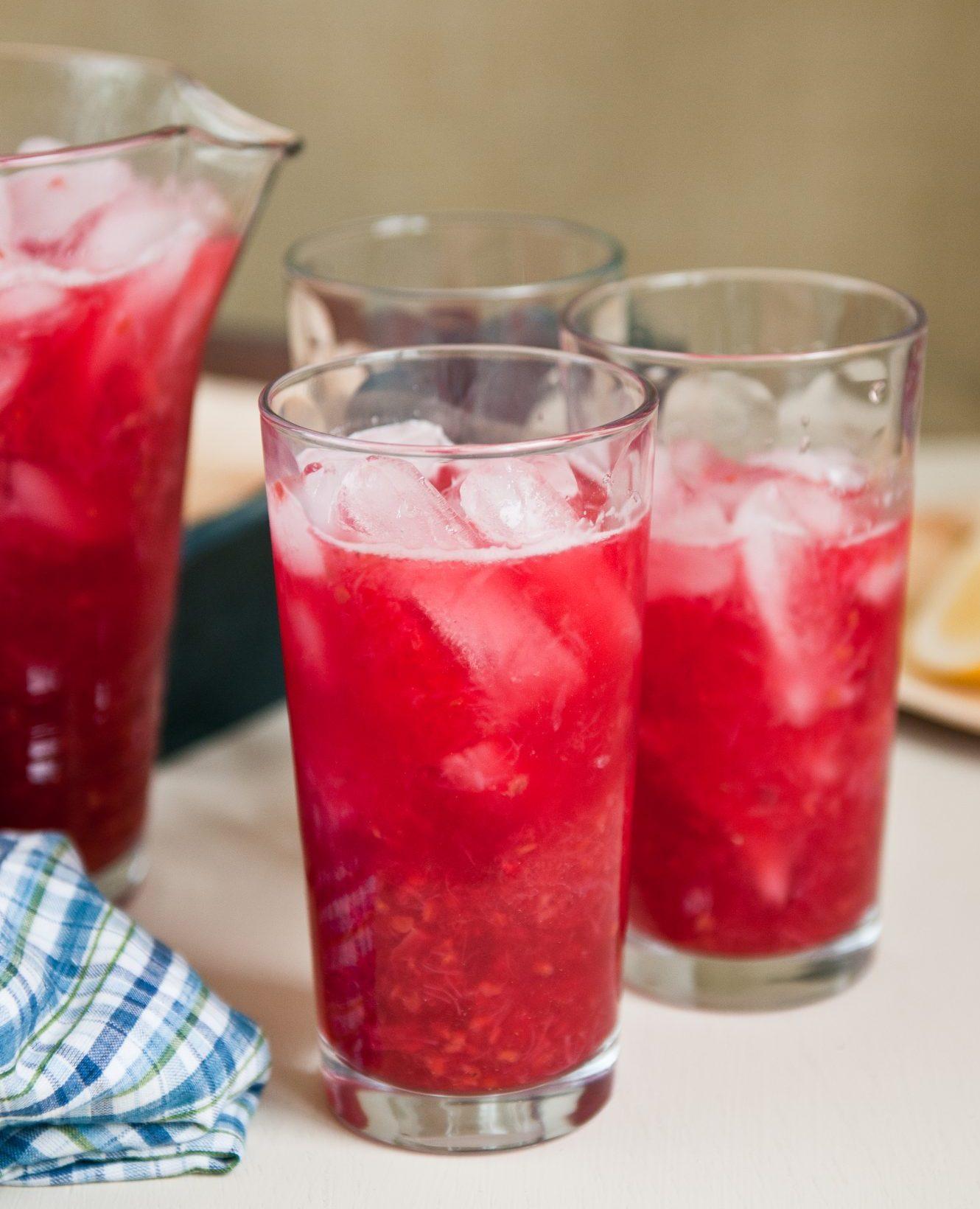 Raspberry Rhubarb Lemonade