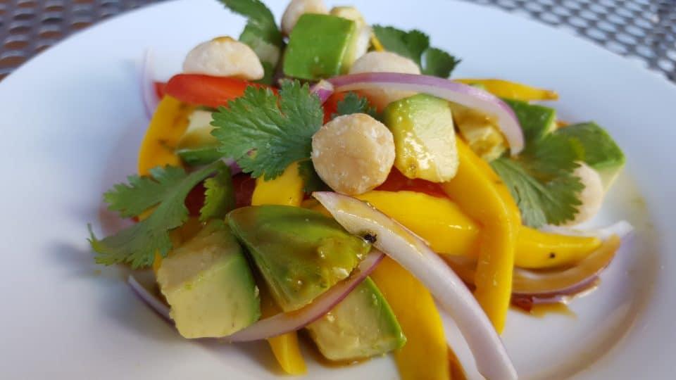 avocado mango salad